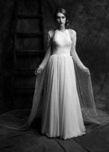 Cape cu mâneci la o rochie de mireasă