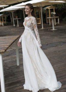 Vestuvių suknelė nėščioms moterims su rankovėmis