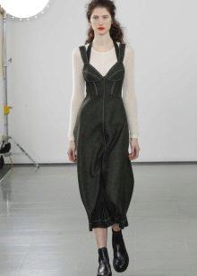 Įrengta suknelė su nuimamu kėbulu