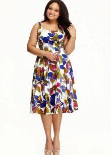 Įrengta suknelė, skirta spalvotiems atspaudams