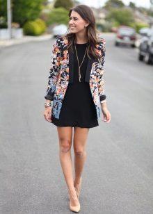 Jaqueta para o vestido preto