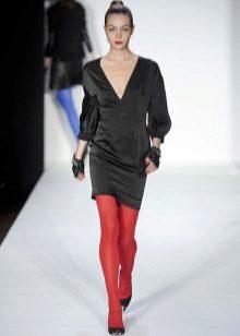 Collants vermelhos para vestido preto