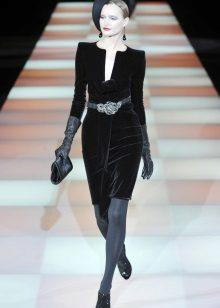 Collants cinza para um vestido preto