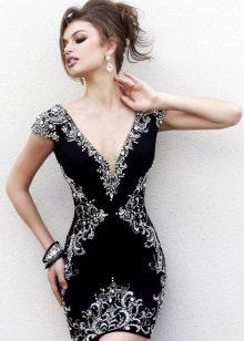 Jóias de prata para um vestido preto