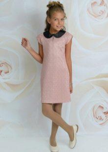Elegáns ruha a galléros lányoknak