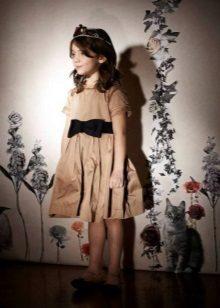 Bézs ruha lányoknak 6-8 év