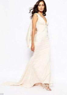 Valkoinen mekko, jossa on juna