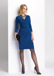 Black tights to a blue dress