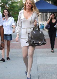 White tights to white dress
