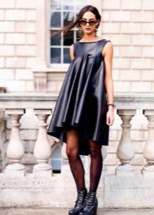 Black panty hoses for leather dress