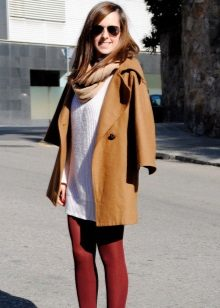 Maroon tights to a white dress