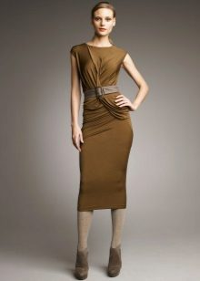 Light tights to the green dress