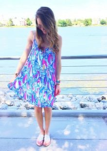 Vestido de verão para uma menina de 11 anos