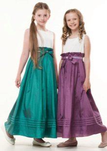 Vestido elegante para meninas no chão