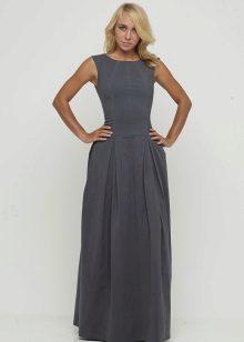 harmaa mekko alatunnisteesta lattiaan