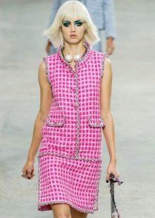 vaaleanpunainen tweed-mekko