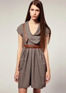 tweed-neulottu mekko
