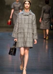 tweed-mekko ja takki
