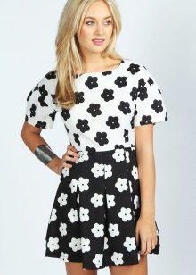 vestido para um adolescente em uma flor