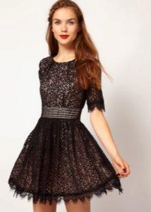 Vestido preto de guipura para adolescentes