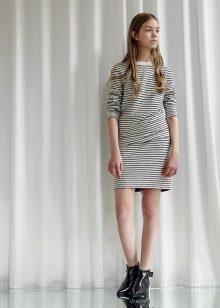 vestido curto para um adolescente