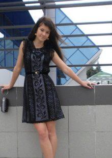 Vestido curto de malha para adolescente