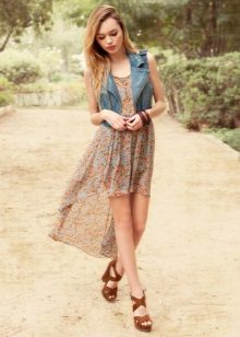 Vestido de verão para um adolescente curto frente longa costas