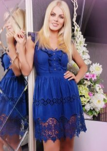 vestido de cambraia azul