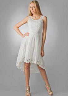 valkoinen pukeutunut batiste