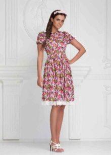 vestido de batista com estampa floral