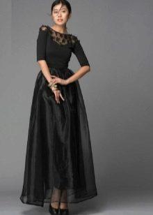musta mekko, jossa organza-hame