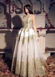 valkoinen ja kulta organza-mekko