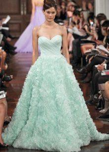 värillinen organza häät mekko