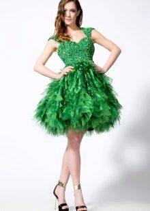 vihreä organza-mekko