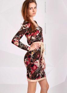 poplinin mekko, jossa on kirkas kuvio
