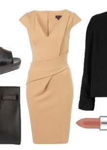 Bej elbise siyah ceket