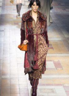 Jas tot midi-jurk in de stijl van boho