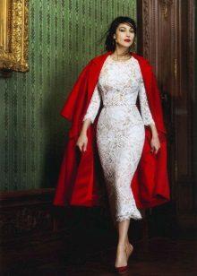 Rode jas tot midi kanten jurk