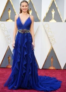 Belt to the blue dress