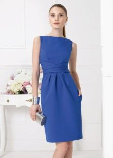 Accessories for a blue box dress