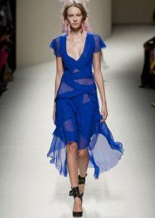 Black shoes to blue dress
