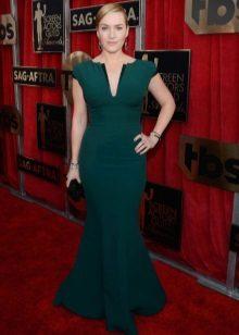 Enfeites verdes para o vestido verde