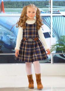 Vestido de escola para meninas Uma silhueta na caixa