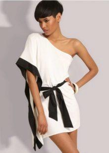 A görög stílusban öltözve saját kezűleg