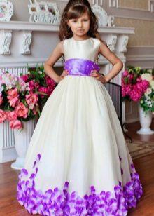 Vestido de ano novo no estilo da Barbie para meninas