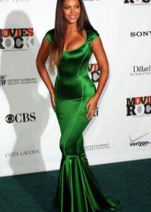 vestido verde de tafetá monocromático
