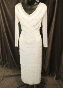 Бяла рокля с ресни