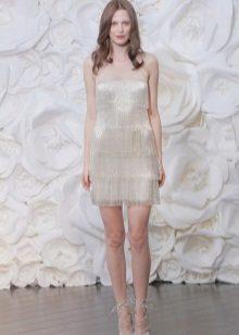 Baltos spalvos suknelė su pakraščiu