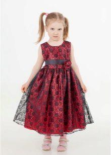 Vestido elegante para uma menina de 5 anos em estilo retro