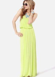 Kesän vaaleanvihreä mekko